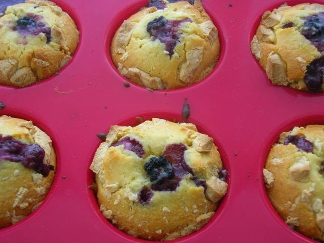 Blackberry and White Chocolate Cakes