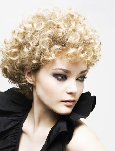 Curly Hair Cuts 2012 on Short Curly Hairstyles 2012 For Women S