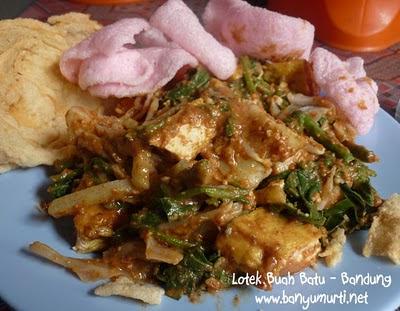 Kuliner Bandung - Lotek Buah Batu (Herry Thea)