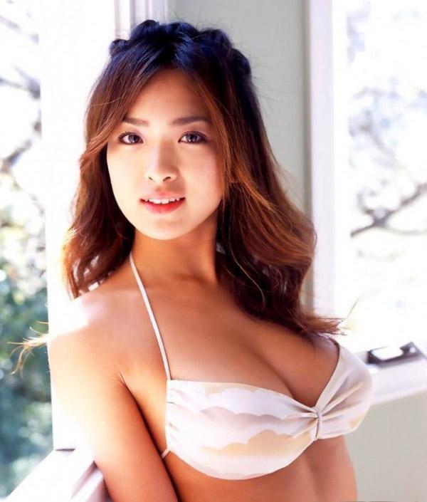 Foto-Foto Gadis Cantik Pemilik Payudara Terbesar Pic 22 of 35