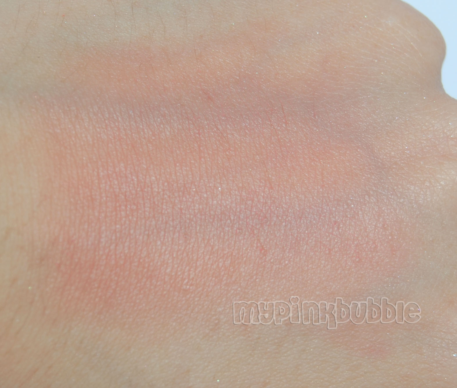 Cream blush bourjois 04 sweet cherry swatch