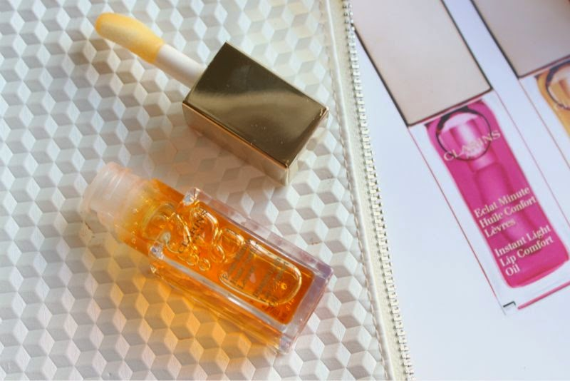 Clarins Instant Light Lips Comfort Oil in Honey