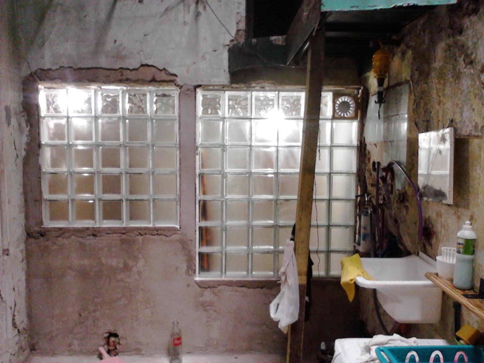 Construcci n del ba o - Como colocar ladrillos de vidrio ...