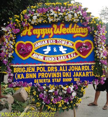 Toko Bunga Cikarang - Bunga Papan Happy Wedding