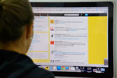 (Washington, 19 noviembre – AFP).- Cerca de un habitante de cada cinco en el mundo, lo que equivale a unos 1.610 millones de personas, ha usado una red social al menos una vez este año, un 14% más que en 2012, según un estudio difundido este martes. A este ritmo, los usuarios de redes sociales como Facebook, Twitter, Instagram, Reddit o Tumblr podrían alcanzar los 2.330 millones de personas de aquí a 2017, afirma el instituto eMarketer en su investigación. Holanda, con 63,5% de la población, Noruega, con 63,3%, y Suecia, con 56,4% son los países que acumulan más usuarios