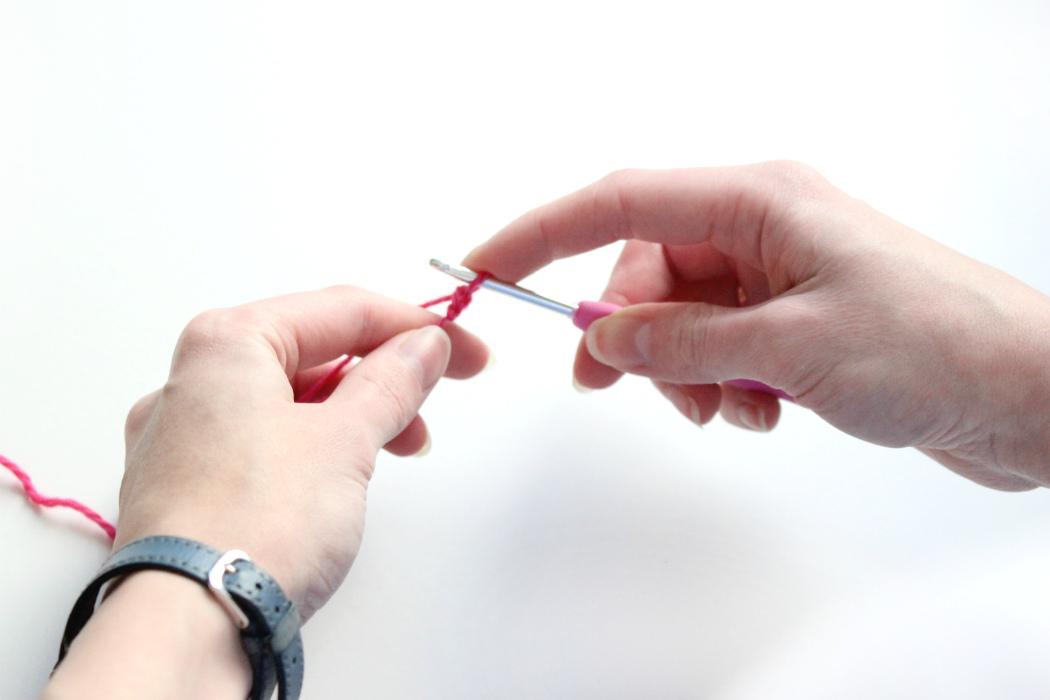 Болят пальцы при вязании