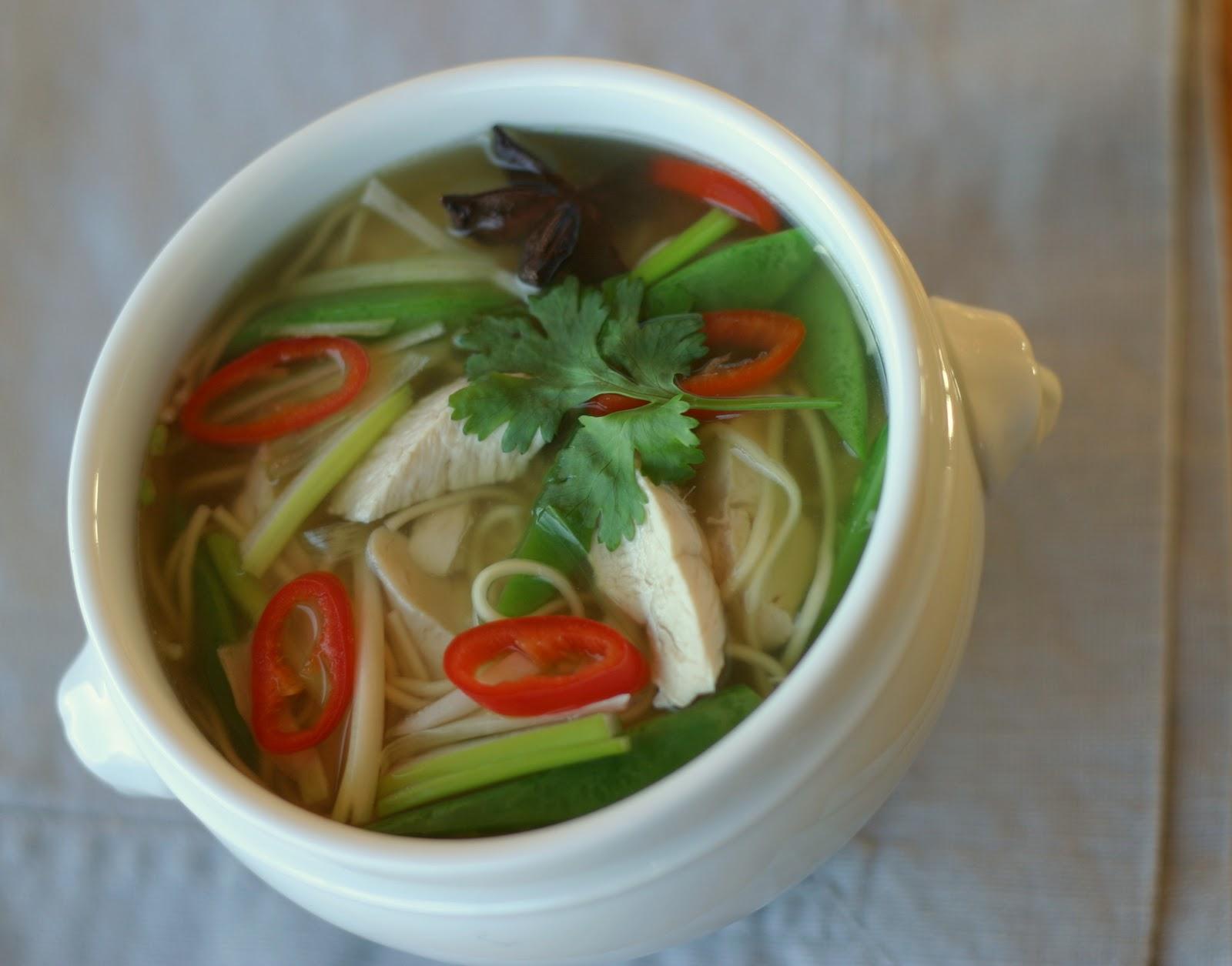 Marias Salt Og Søtt Pho Nudelsuppe Med Kyllingchicken Pho Noodle Soup