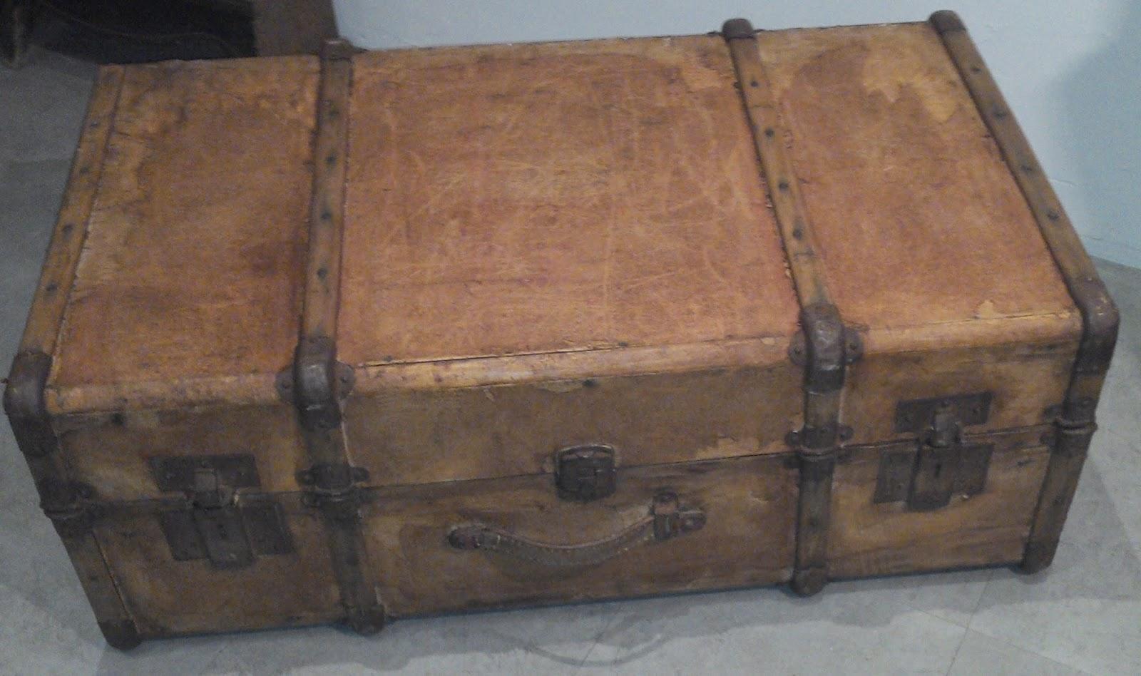 Ancienne valise bois malle ancienne bagage ferrures - Malle ancienne en bois ...