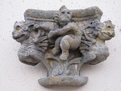 Metopa acabado en tonos grises piezas decorativas de ESTECHA