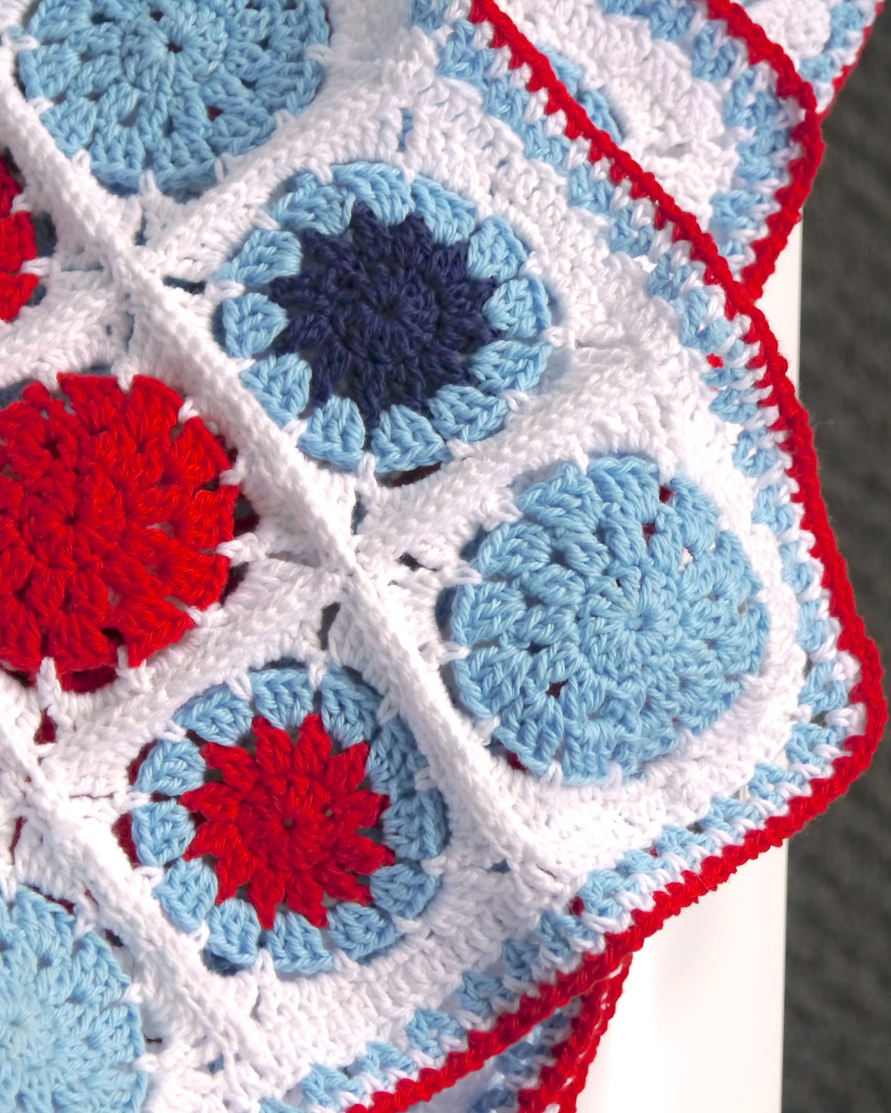 Crochet Baby Blanket Cotton Pattern : Sarita creative: Make it // Crochet Cotton Baby Blanket ...