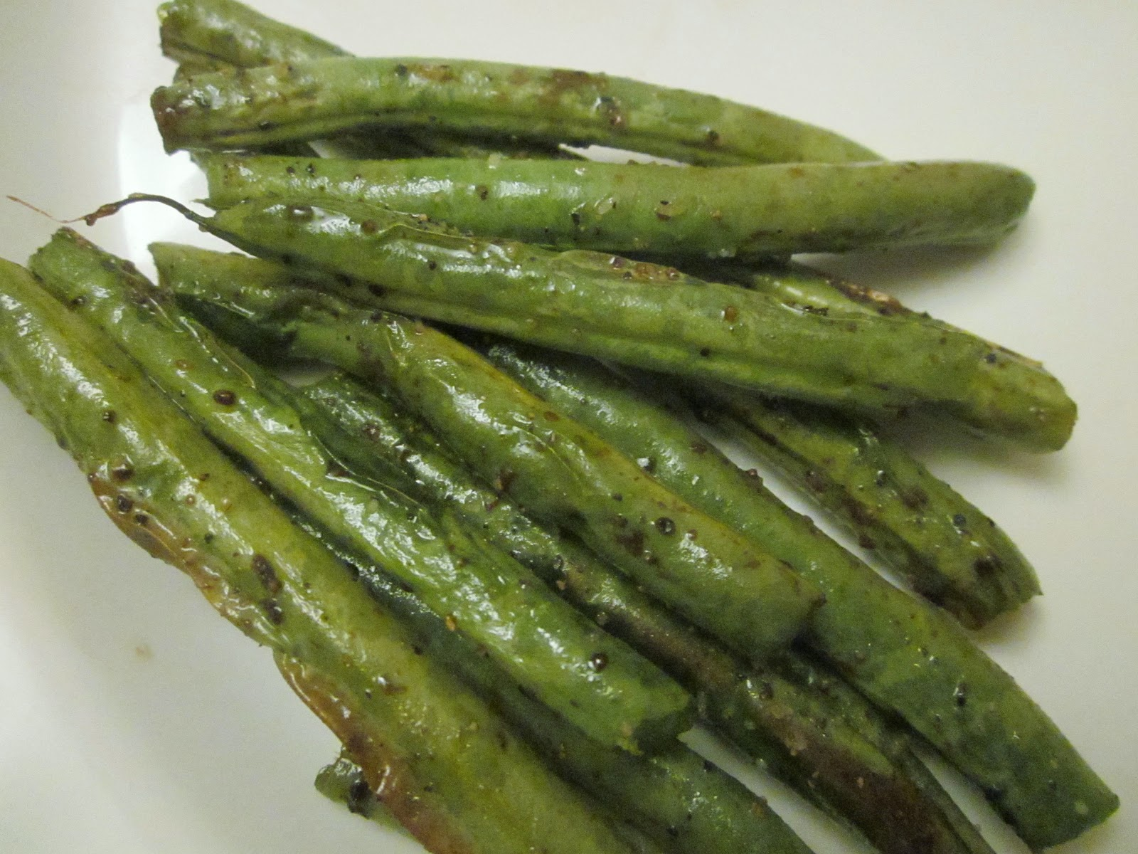 Dimples & Delights: Oven-Roasted Balsamic Green Beans
