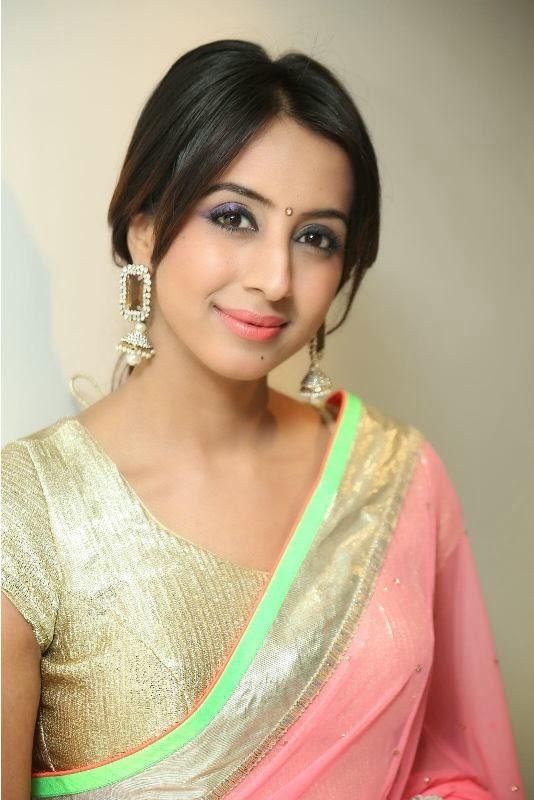 Sanjana in Saree New Photo Stills Gallery