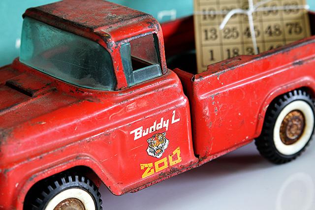Vintage Buddy L Zoo Truck @ houseofhawthornes.com