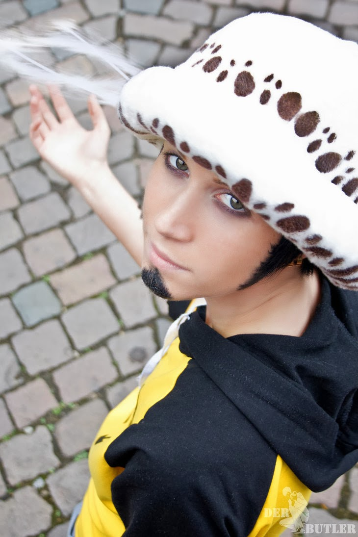One Piece: Trafalgar Law Cosplay.