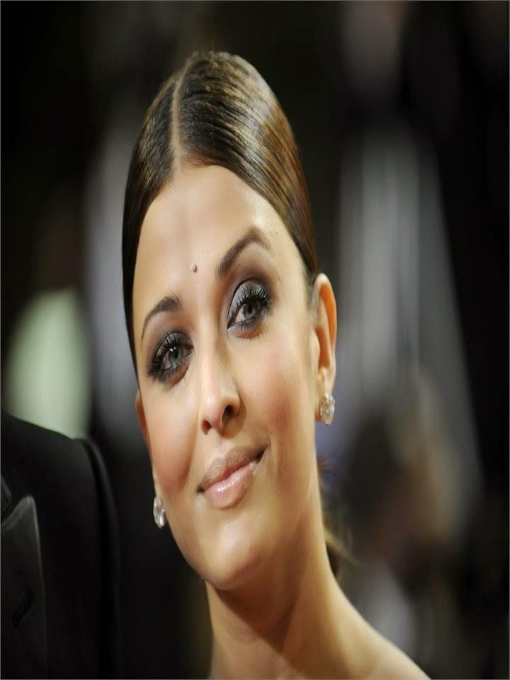 Aishwarya Rai cannes film Festival Hot Pics fat Pics On Ramp Hot Bollywood actresses hot pics