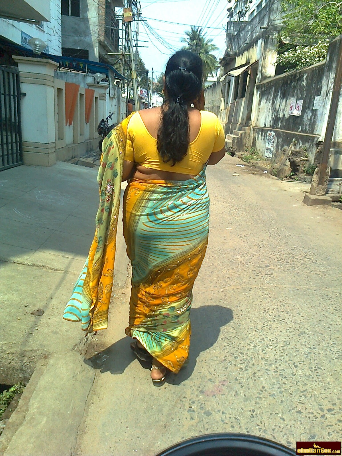 saree kundi photos desi exbii aunties butts