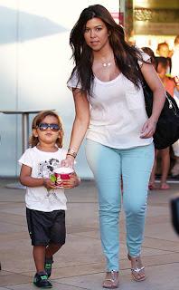 Kourtney Kardashian, Kardashian Hot Picture