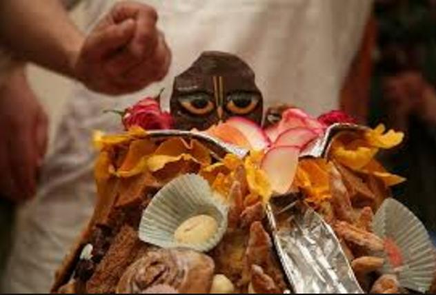 Govardhan Pooja Ka Mahattav Vidhi or Katha