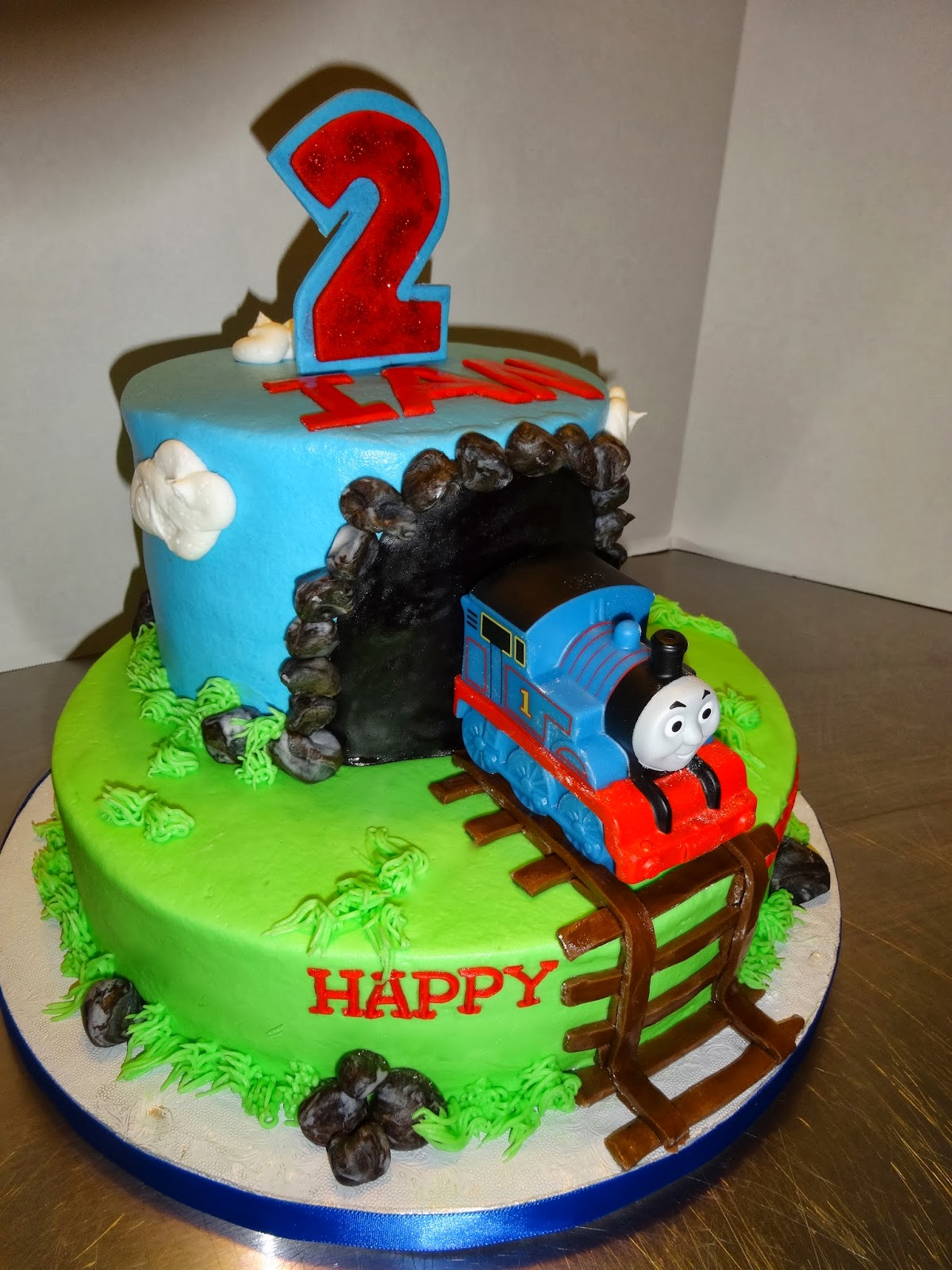 Images Of Train Birthday Cakes : Cakes by Paula: Thomas the Train birthday Party