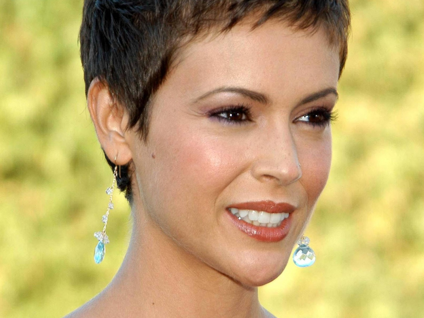 Alyssa Milano Short Hairstyles