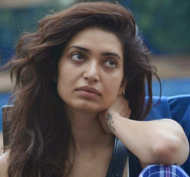 Karishma Tanna sweet pics, Karishma Tanna Cute images, Karishma Tanna without makeup, Karishma Tanna cute pic without makeup