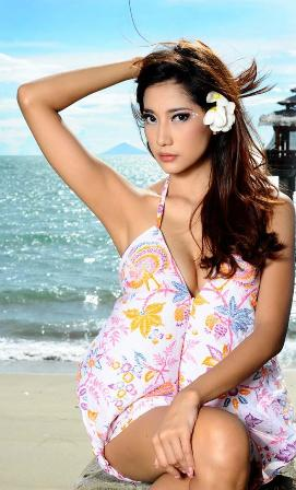 Adelia Rasya Model Majalah Popular World Edisi Mei 2013