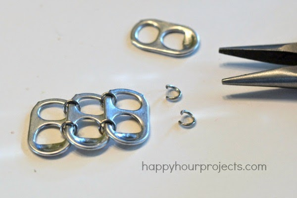 braccialetti-con-le-linguette-delle-lattine-tutorial