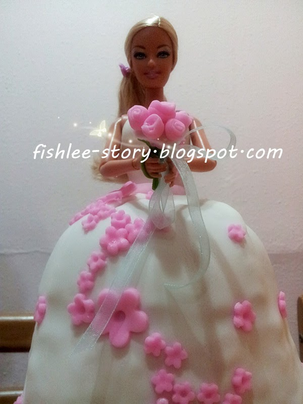 Barbie Fondant Cake Images : `` ?~..???````... :   Barbie Doll Fondant Cake
