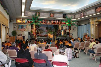 Thanksgiving retreat with Siddheshvari Devi at Radha Madhav Dham 1