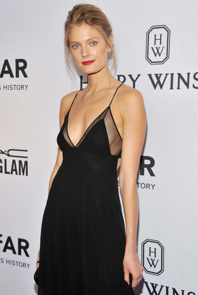 Constance Jablonski shows skin at the 2015 amfAR Inspiration Gala in NY