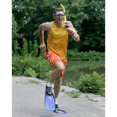 Rekor Dunia lari dengan sepatu selam