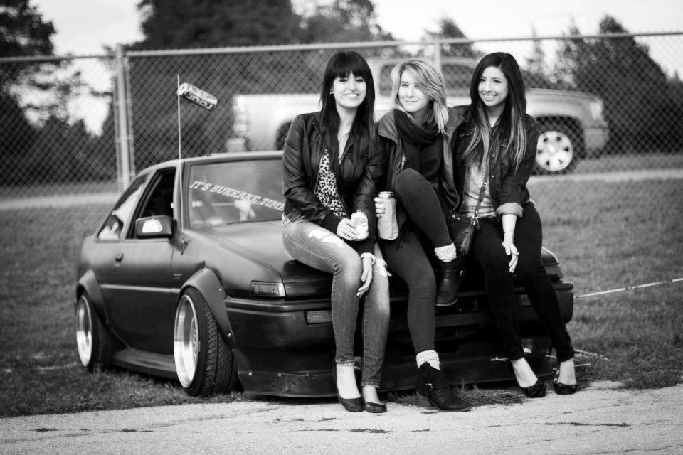 nostalgic, tuned, youngtimer, piękna Toyota, do driftingu, Levin, Trueno, fotki, dziewczyny, panny, auto