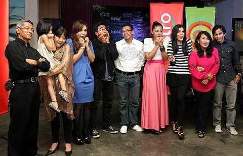 daripada Dewi Remaja 2010 iaitu Anis Al- Idrus dan Siti Azar Ameerah