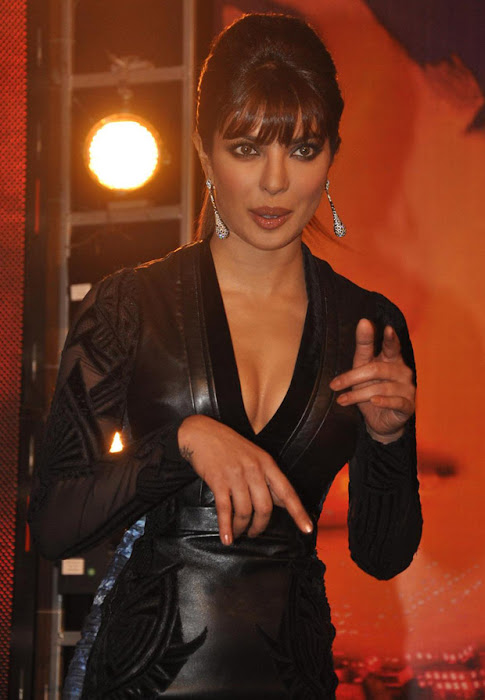 priyanka chopra latest photos
