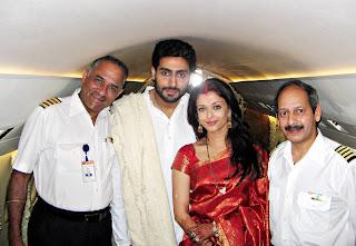 AIshwarya rai and Abhishek bachan in flight