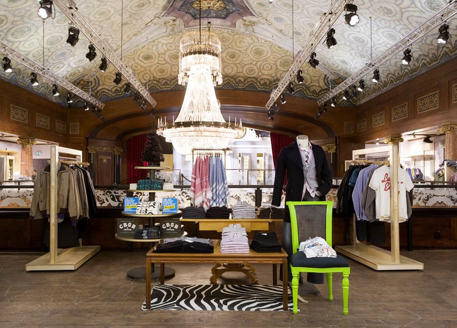 Imagine these retail interior design urban outfitters for Retail store interior design