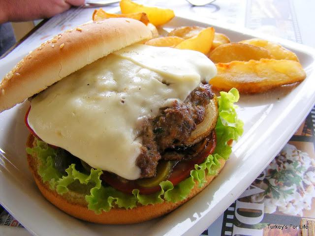 Cadde Cafe Cheeseburger, Fethiye