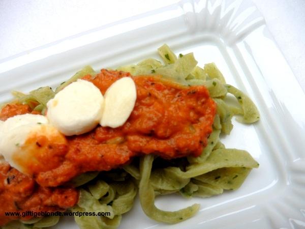 Nudeln mit Bärlauch Petto und getrocknete Tomaten