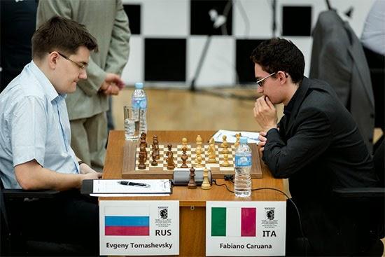 Échecs : Fabiano Caruana 1-0 Evgeny Tomashevsky dans la ronde 3 - Photo © Kirill Merkurev