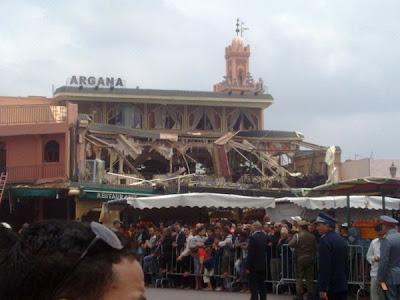انفجار قوي في مقهى أركانة بساحة جامع الفنا بمراكش 225830_163383377054836_104514492941725_366396_2186496_n