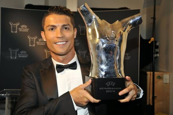 AGAIN! Cristiano Ronaldo Gets Crowned As UEFA Best Player! He's ABSOLUTELY AWWWsome!!