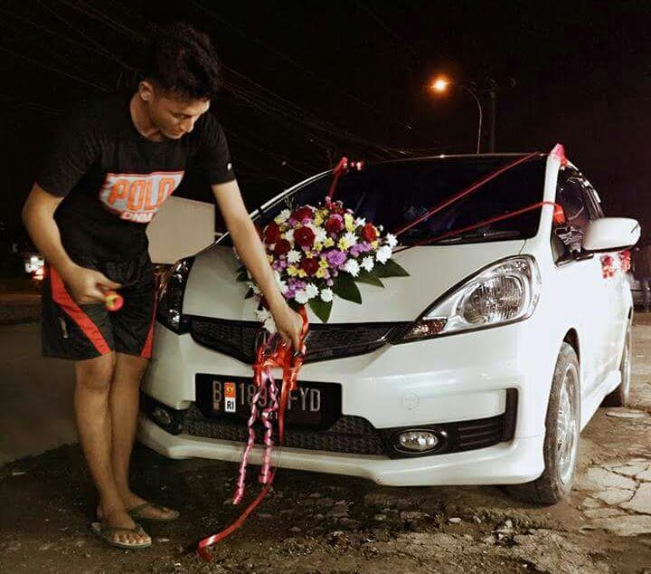 Cara mudah merias mobil pengantin