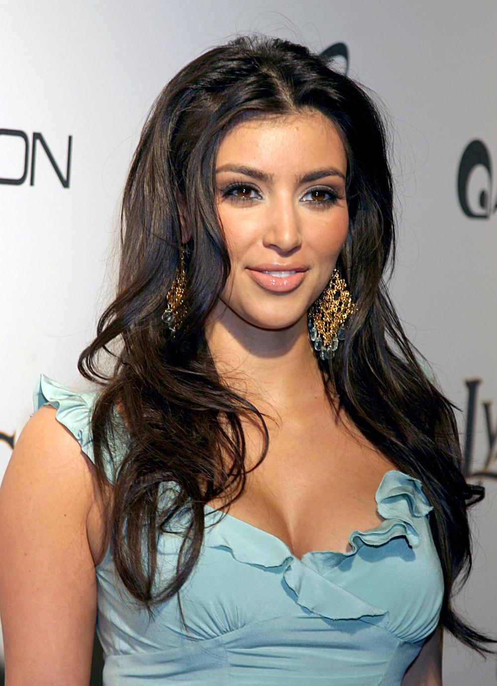 Kim Kardashian Long Wavy Hairstyles 07
