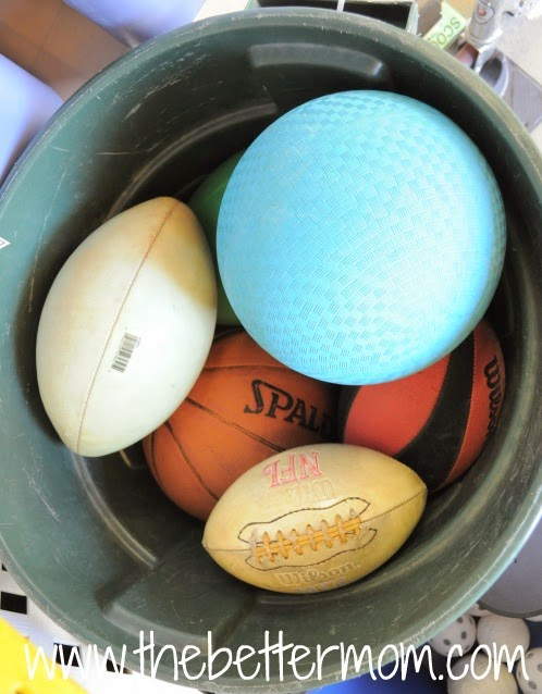 25 of My Best Organizing Hack: Trash Cans for organizing balls:: OrganizingMadeFun.com