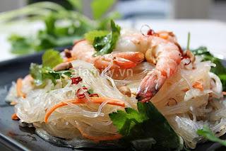 Chua cay món miến trộn kiểu Thái