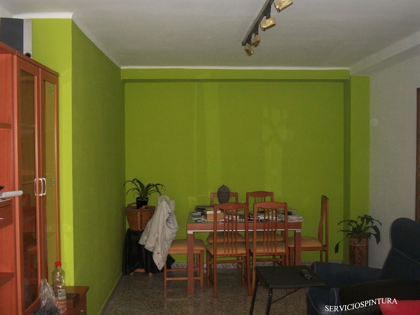 Servicios de pintura en zaragoza pintamos pisos - Pintar salon en dos colores ...