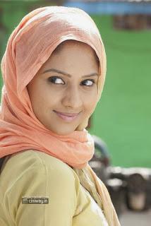 Oru-Oorla-Heroine-Neha-Patel-Stills