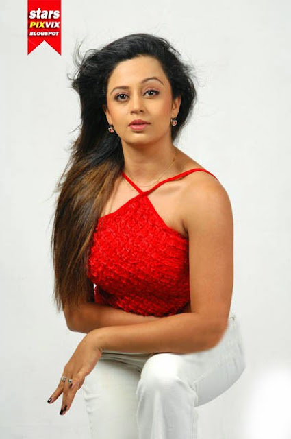 Red Hot Neha Pendse's Photo Shoot | Cute Marathi actresses, bollywood ...