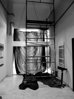 Under construction - No. 6, by Guillermo Aldaya / PhotoConversa