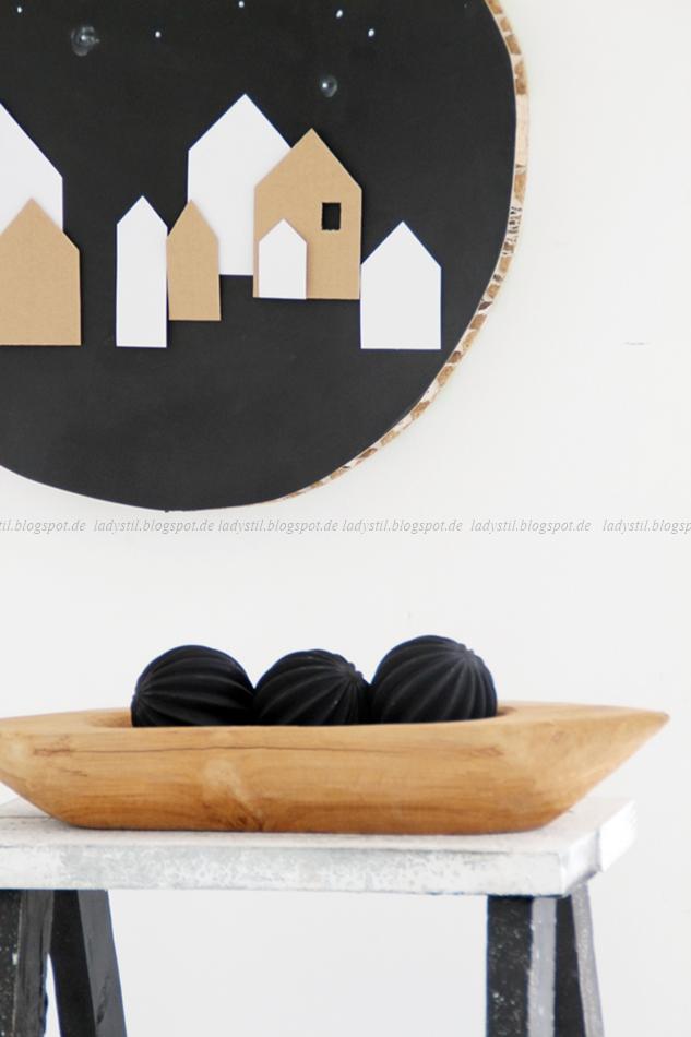 rundes Wandbild DIY Weihnachtliche Häuser schwarz weiß Holz